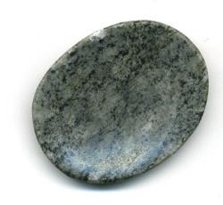 Worry Stone aus Connemara Marble